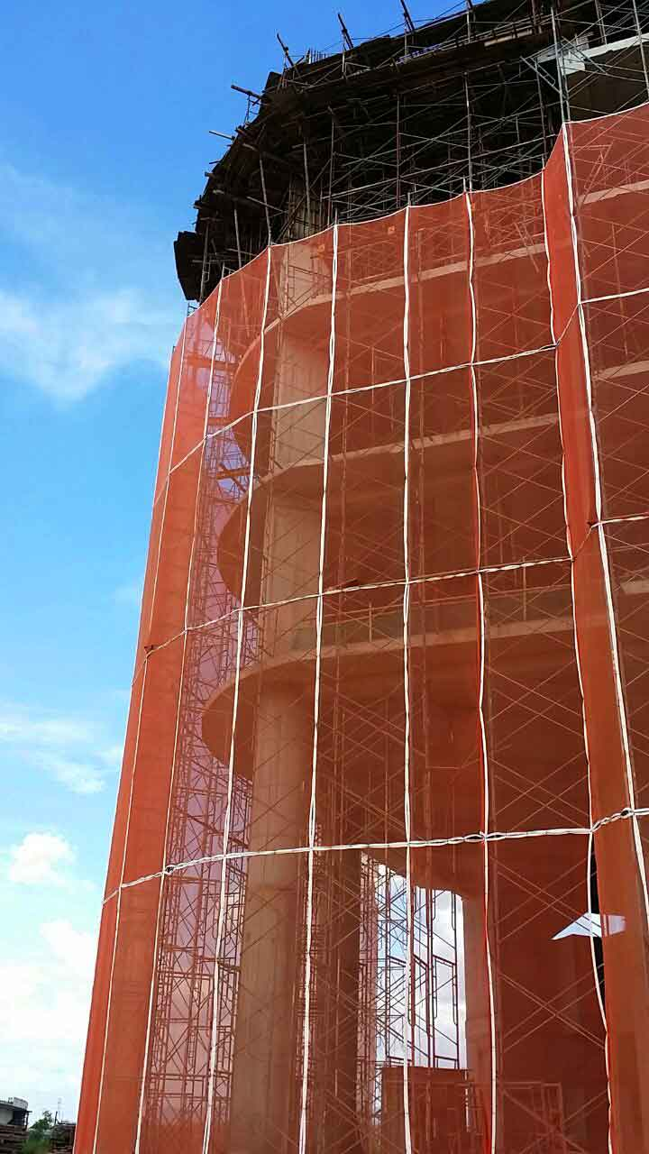 Steel Scaffolding with Safety Netting