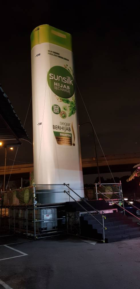 Scaffolding for the Largest Replica of Sunsilk  Shampoo Bottle in Malaysia