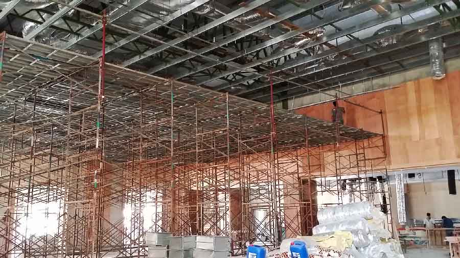 scaffolding platform for plaster ceiling installation work